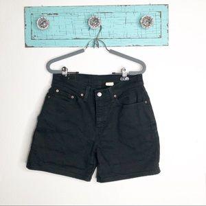 Levis High Waist black shorts